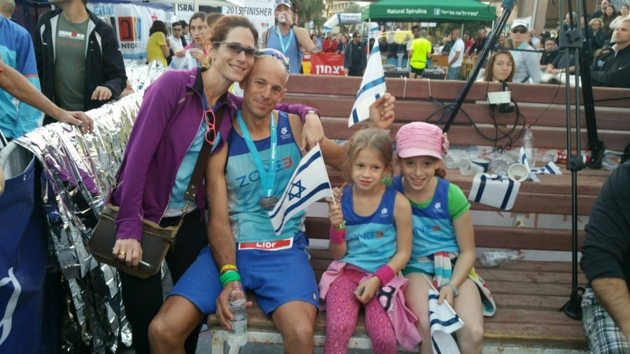 ליאור זך ומשפחתו